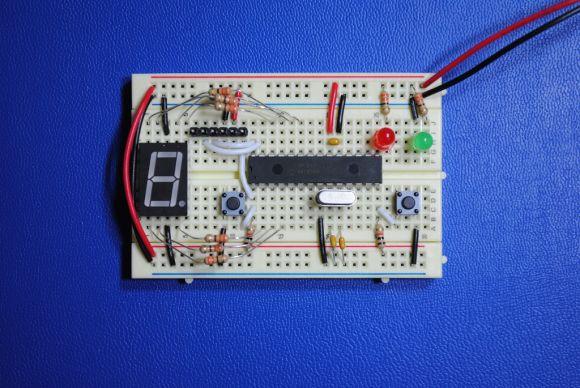 PIC18F242 7-Segment LED Board (1)